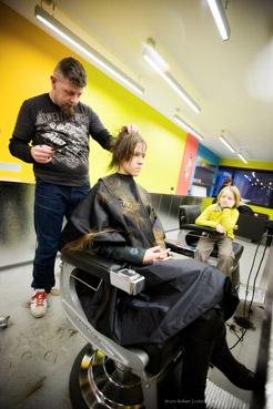 Tessa gaat naar de kapper