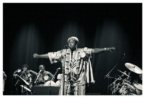 Baba Sissoko tama-orkest & Aka Moon