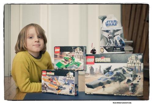 Henri en zijn Lego-buit