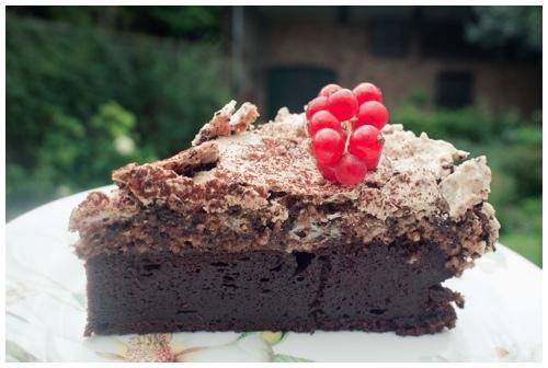 Chocoladecake met hazelnoot meringue
