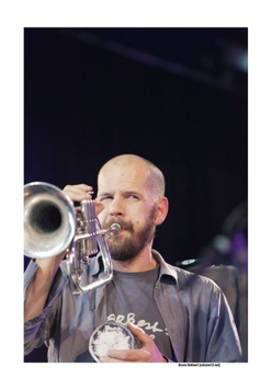 Bart Maris in het Fred Van Hove Ochgot Octet op Jazz Middelheim door Bruno Bollaert