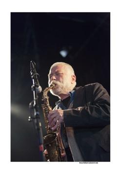 Peter Brötzmann in het Fred Van Hove Ochgot Octet op Jazz Middelheim door Bruno Bollaert