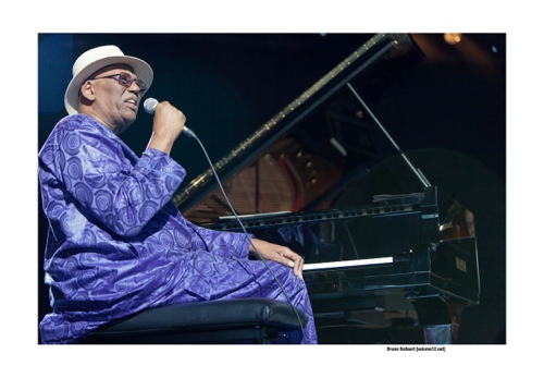 Randy Weston op Jazz Middelheim door Bruno Bollaert