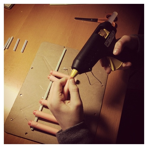 Hot Glue Gun door Bruno Bollaert